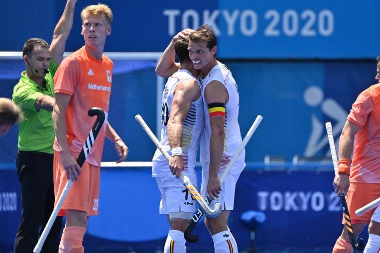 De Red Lions verslaan Nederland met 3-1 na onder andere twee doelpunten van Alexander Hendrickx (foto links) Beeld BELGA
