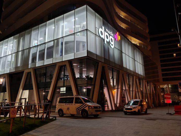 Het gebouw bevindt zich vlakbij het Mediaplein.