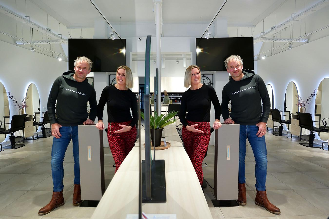 Frank de Groot en Marjorie Juch in hun kapsalon Hair Jolie