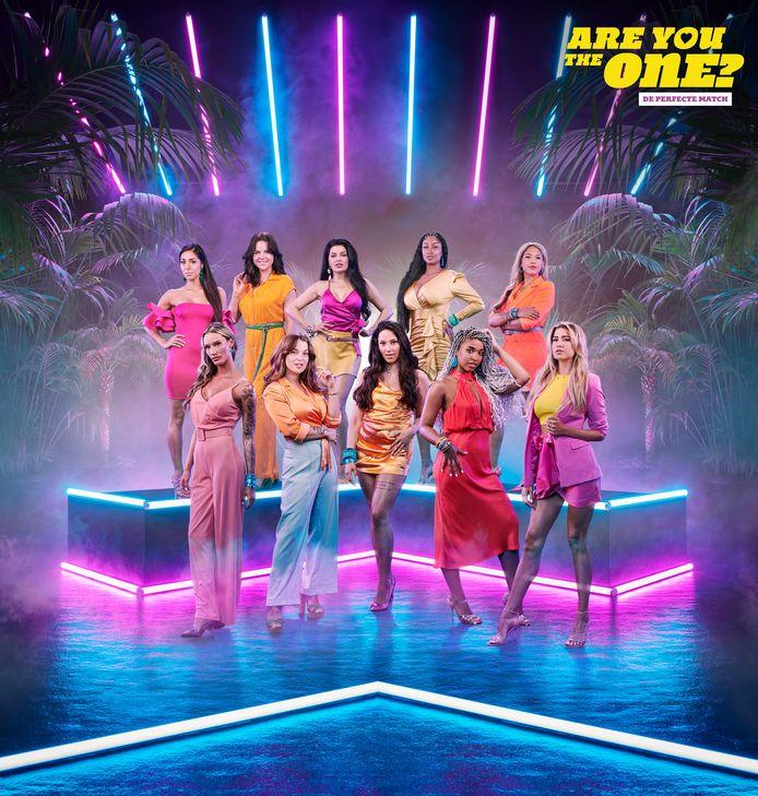 'Are You The One: de perfecte match' - vrouwelijke kandidates.  VLNR bovenaan: Yasmin, Maartje, Damiët, Rabia, Dividivi. VLNR onderaan: Shanice, Michèle, Faby, Irene, Floor.