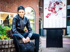"""Mitchell (19) droomt van een leven in de stad. ,,In Achthuizen is alleen een kerk en één kroeg."""""""
