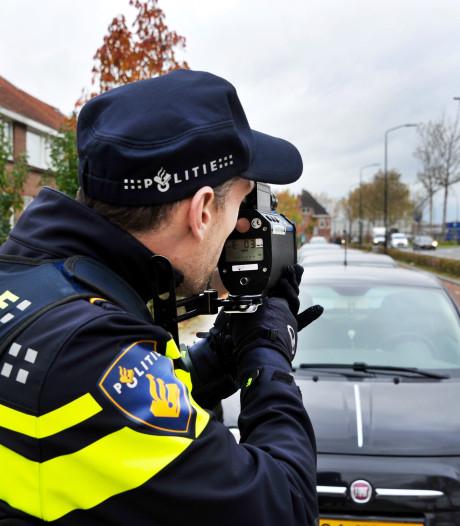 Twee boetes voor te hard rijden op de Merwedestraat in Dordrecht