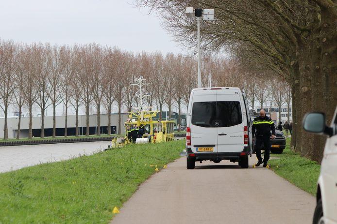 Politieonderzoek in verband met de moord op horlogehandelaar Bas Vijzelaar langs het Amsterdam-Rijnkanaal, tussen Maarssen en Breukelen, eerder dit jaar