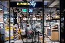 EINDHOVEN - Grote schade en plunderingen bij een Jumbo City in het centraal station van Eindhoven na ongeregeldheden in de binnenstad van Eindhoven.
