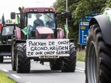 De Arnhemse Markt vol tractors, gestreste kalveren en mest: zo verliep het boerenprotest