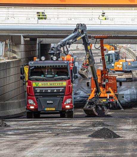 Wegbeheerders maken de balans op na uitzonderlijk winterweer: hoe groot is de vorstschade aan wegen in Oost-Nederland?