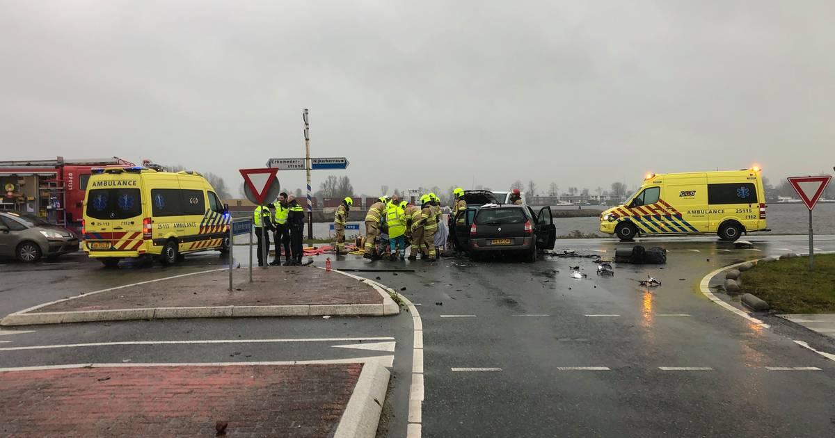 Ernstig ongeval in Zeewolde tussen auto en bestelbusje.