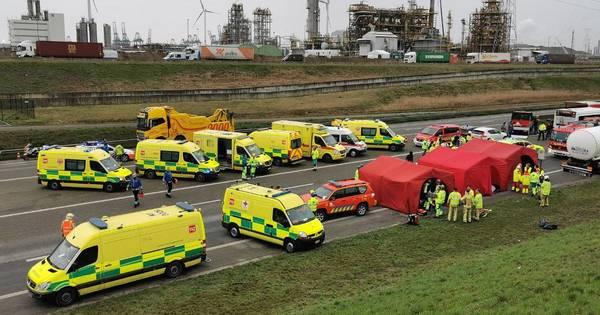 Ernstig ongeval in Antwerpse tunnel: 1 dode, 5 zwaargewonden en 44 lichtgewonden.