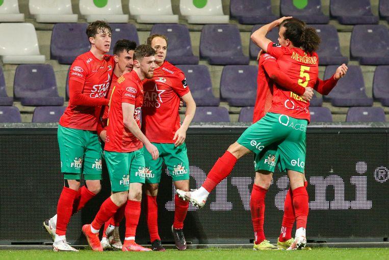 Vreugde bij KV Oostende na een goal van Jelle Bataille. Beeld Photo News
