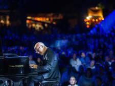 Pianist Ludovico Einaudi keert terug op podium Muziekgebouw Eindhoven