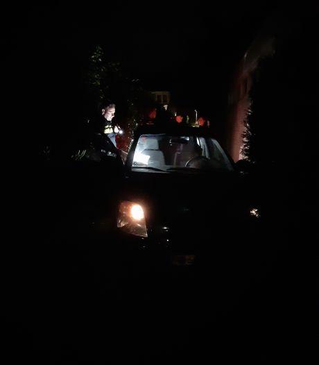 'Wild-west achtervolging' in Eindhoven: man (39) rijdt auto klem in steegje en verstopt zich in bosjes