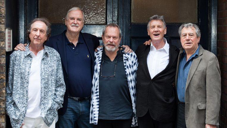 De overblijvende Monty Python-leden: Eric Idle, John Cleese, Terry Gilliam, Michael Palin en Terry Jones. Zesde lid Graham Chapman overleed in 1989 aan kanker. Beeld EPA