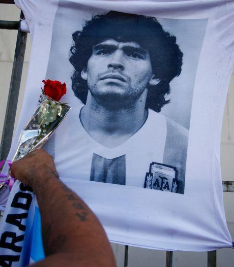 """L'infirmier de nuit de Diego Maradona avait ordre de """"ne pas le réveiller"""""""