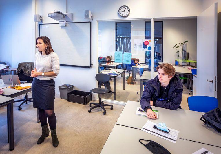 Wiskundeles aan 6 VWO op het Gerrit Rietveldcollege in Utrecht.  Beeld Raymond Rutting