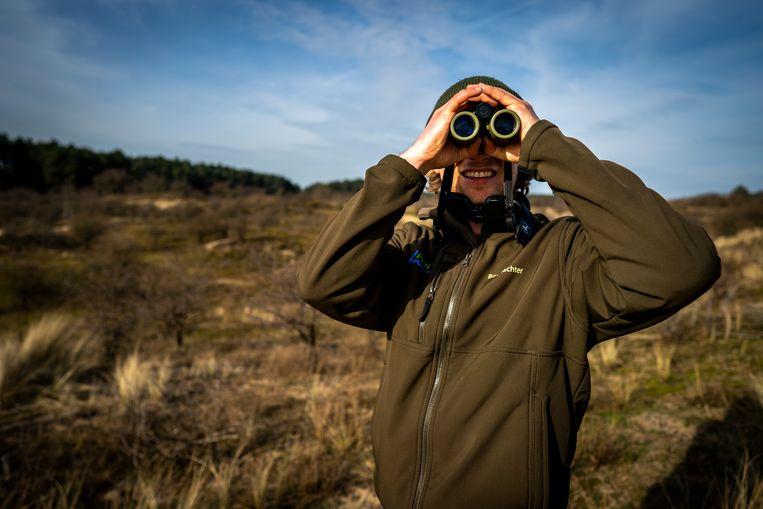 Boswachter Joeri Uilenreef is bezorgd over het broedseizoen.   Beeld Jerry Lampen