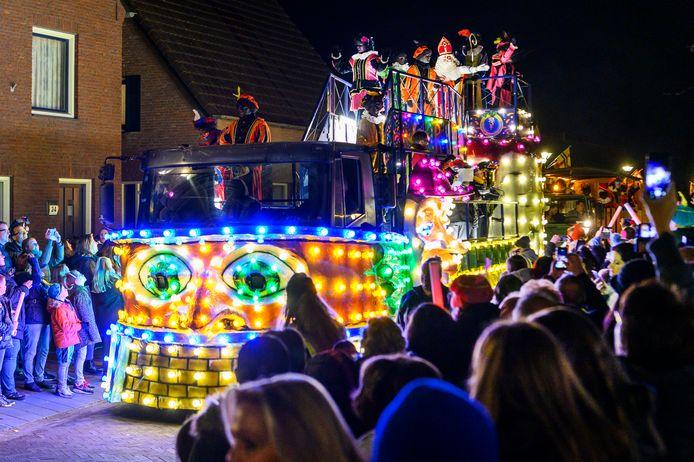 De verlichte intocht van Sinterklaas van vorig jaar.