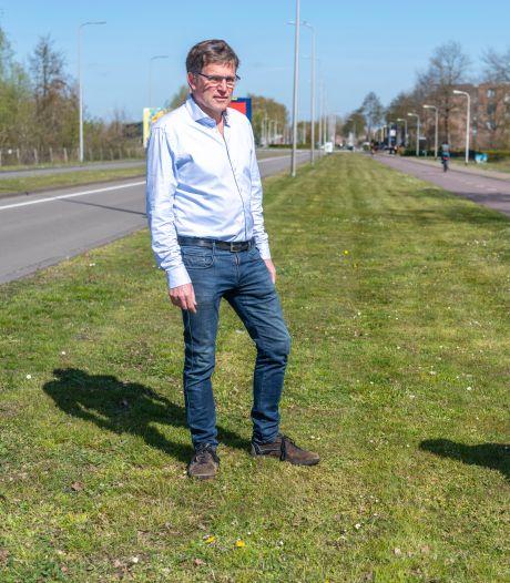 Hou op met maaien, manen Reeshofbewoners: 'Funest voor de insecten, vlinders en vogels'