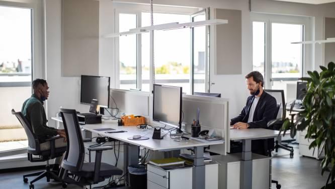 Discussie wel of geen coronaprik verhardt: 'Korte lontjes verplaatsen zich naar werkvloer'