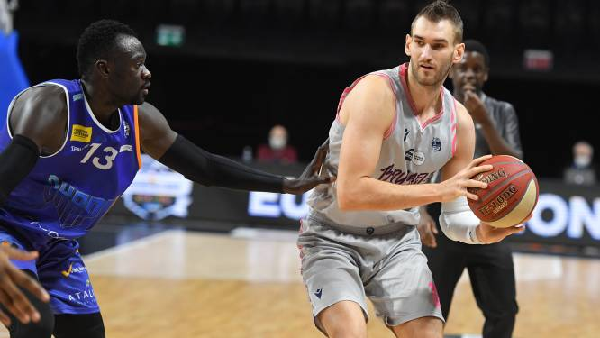 "Viktors Iljins met Phoenix Brussels naar Okapi Aalst: ""Basketbal was een late roeping"""