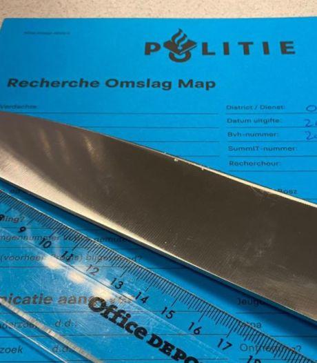 Jongen (13) aangehouden met mes van ruim twintig centimeter op zak