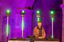 DJ Jimmy Ouwens in de Hampoort aan het werk.