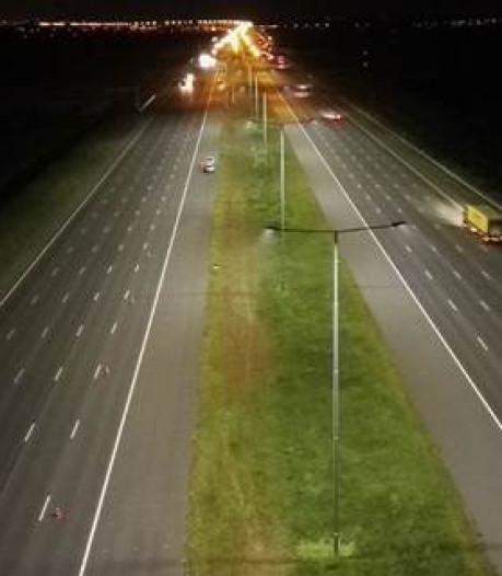 Gele natriumlamp langs rijksweg ingeruild voor hagelwit ledlicht