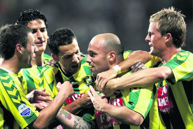 Hursut Meriç (tweede van rechts) heeft 3-0 gemaakt tegen AZ. 'Een ongelooflijk gevoel, ik wist echt niet wat ik moest doen.' Foto ANP Beeld