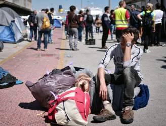 Vluchtelingen moeten haven van Piraeus verlaten