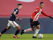 FC Twente ruim onderuit bij PSV en verliest Ilic met rode kaart