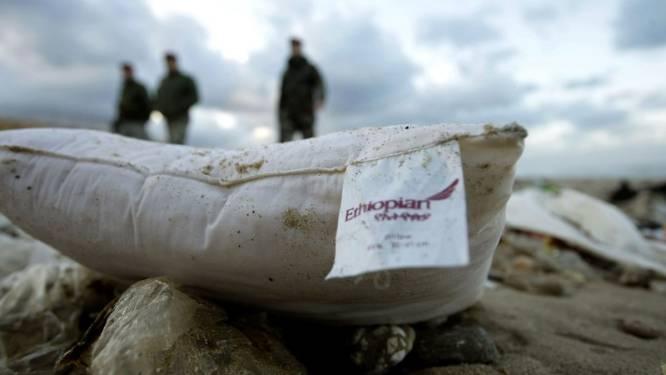 Zoektocht naar slachtoffers vliegtuigcrash voortgezet