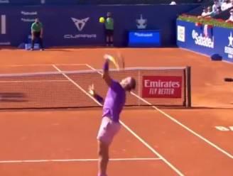 Ook kanjers missen soms: Nadal volledig de mist in bij smash, maar wel op weg naar twaalfde (!) titel in Barcelona