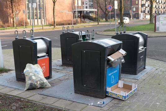 Het bijzetten van afval heeft een negatief effect op de verrommeling in buurten.