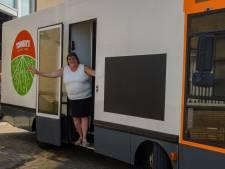 Tonneke gaat toch weer met haar winkel door Tilburg rijden: 'Maar ik wil wel alles op papier'
