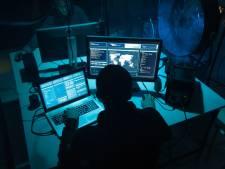 Verdachte hacker (25) verdiende tonnen met valse mails van PostNL en Vodafone