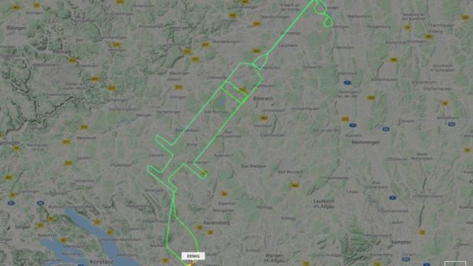 Duitse piloot vliegt traject in de vorm van enorme injectienaald