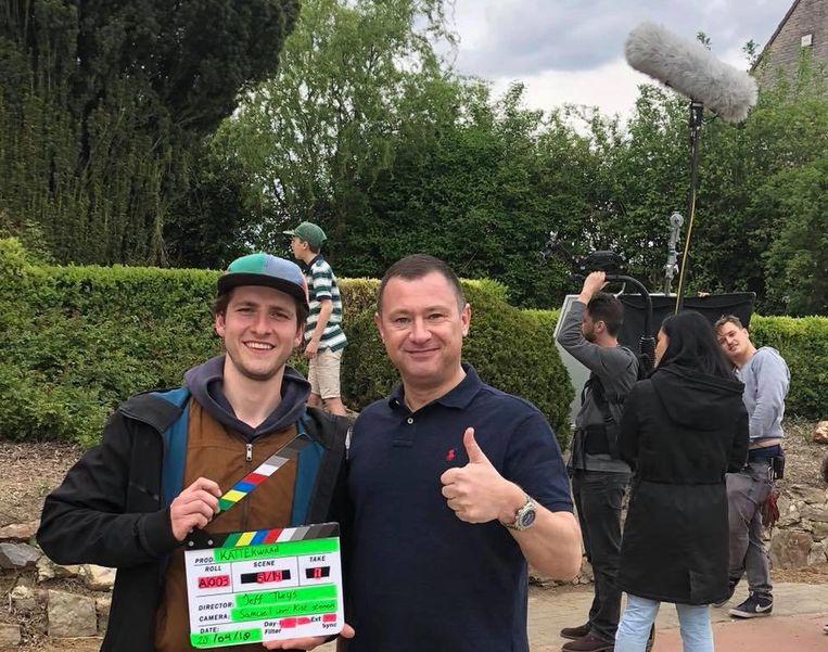 Regisseur Jeff Theys met burgemeester Peter Reekmans.