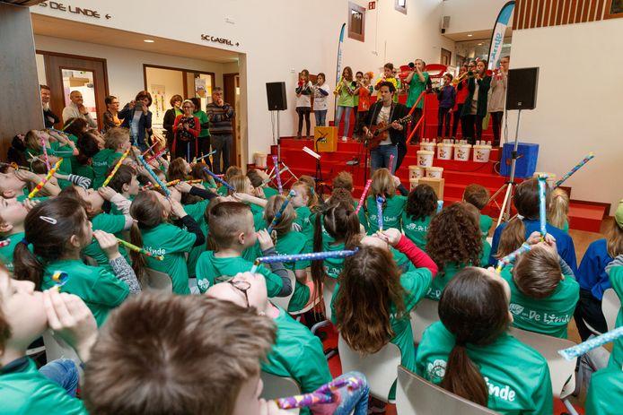 De opening van brede school Futura met basisscholen TaLente en openbare school De Linde erin gevestigd. De kinderopvang Dikkertje Dap bleef in eigen honk, omdat er te weinig ruimte was in de nieuwbouw.