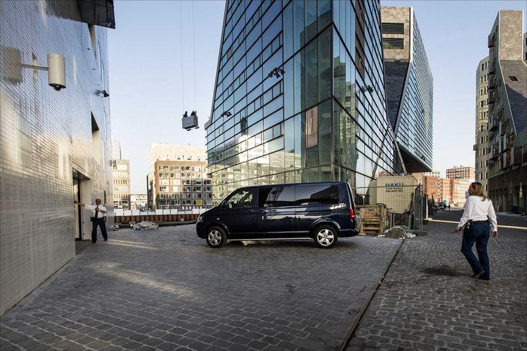 De achteringang van het nieuwe Paleis van Justitie in Amsterdam, waar gisteren een proces tegen de dood werd gevoerd. Beeld ANP