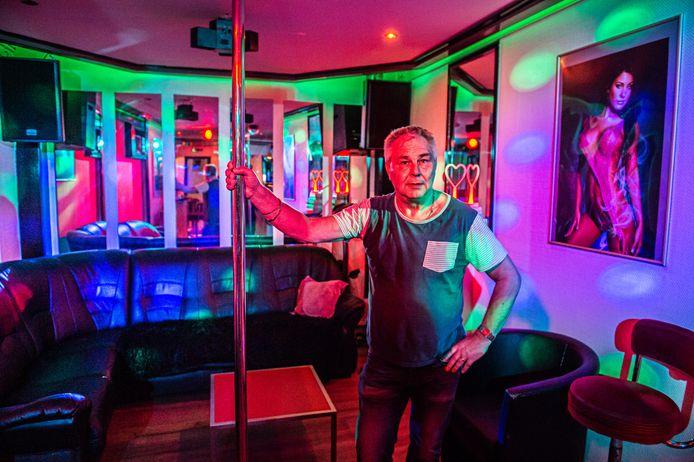Eigenaar Ed Golverdingen van Club-A15 in Gorinchem. Zijn zaak mag woensdag weer open.