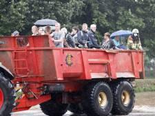 Snelweg A2 in Limburg dicht door wateroverlast, burgemeester voorziet voedseltekort