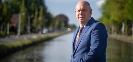 Gedeputeerde wil kanaalbewoners Almelo-De Haandrik helpen, maar kan niets beloven