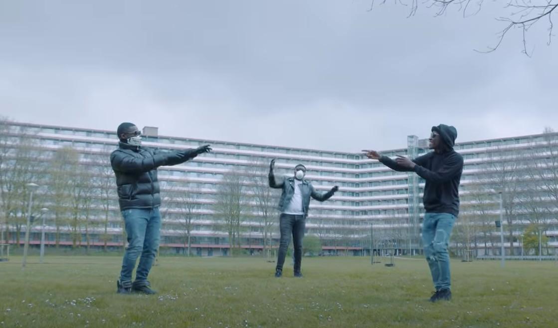 Rappers Scovic, B3 en Nytje geven het goede voorbeeld: blijf op 1,5 meter afstand.