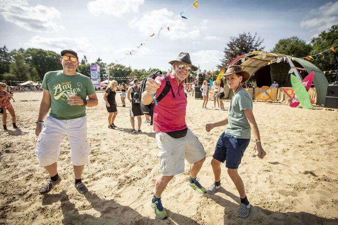 Een speciale area 'beach vibes' zaterdag en zondag op Het Hulsbeek, tijdens het nieuwe Enjoy Live Festival. Dat moet qua inhoud lijken op Fields of Joy, maar heeft verder niets met het failliete festival van doen.
