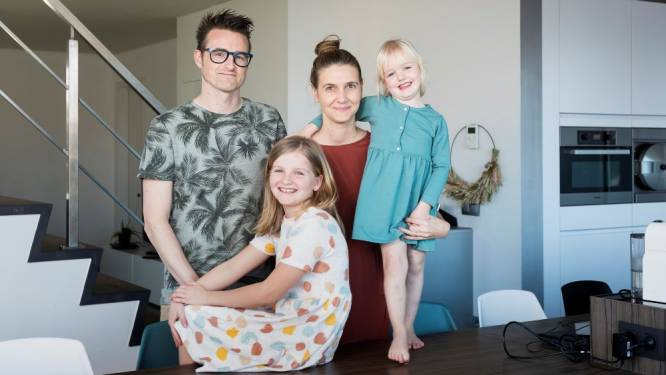 """ZOVEEL VERDIEN IK. Sinds haar ziekte leven Isabel (39) en Rob (39) van één inkomen: """"Onbezorgd winkelen is niet mogelijk"""""""