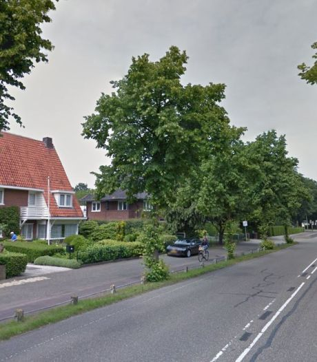 Met kousen aan kan de 'aorta van Harderwijk' weer vijf miljoen liter rioolwater per uur aan