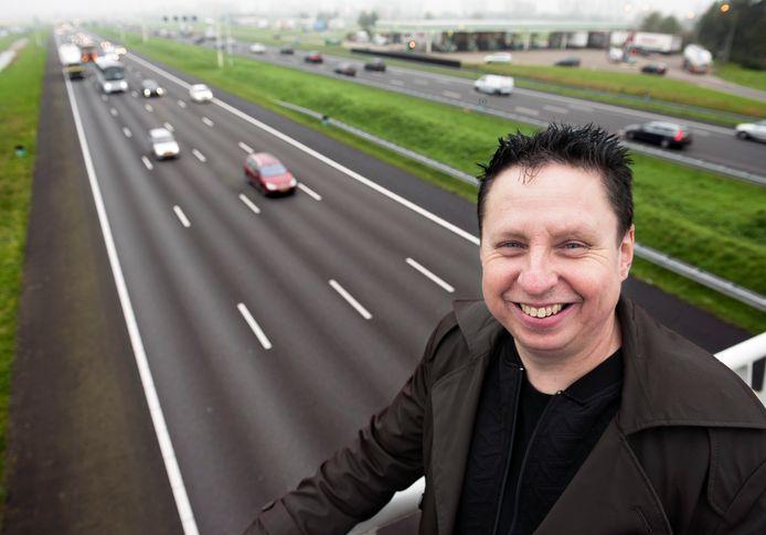 Verkeerspsycholoog Gerard Tertoolen is bang dat automobilisten gefrustreerd achter het stuur zitten als ze langzamer moeten rijden.