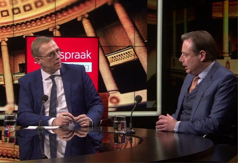 'Ik had verwacht dat Bart De Wever, gezien de ernst van de coronacrisis, zijn bitterheid aan de kant zou schuiven, maar er zijn aan die onderhandelingstafel dingen gebeurd die heel diep sneden.' Beeld VRT