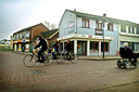 De hoek Kalverstraat en Tilburgseweg in 2006, voor de sloop.