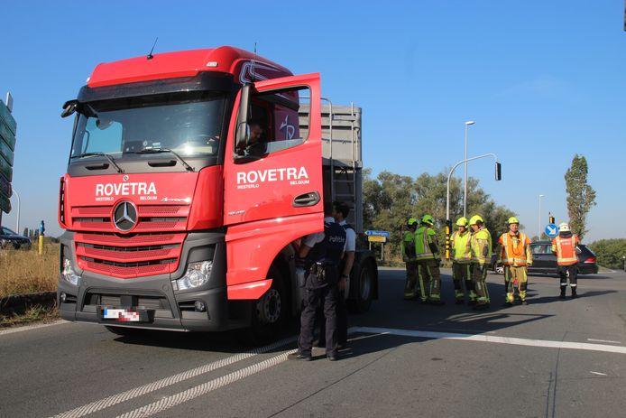 Linda Demely belandde onder de vrachtwagen toen die in Gullegem traag afsloeg om de snelweg op te rijden.