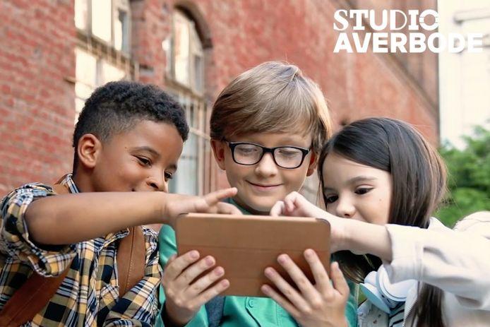 Studio Averbode helpt bedrijven, organisaties en overheden om hun kennis beter over te brengen naar onze jeugd.